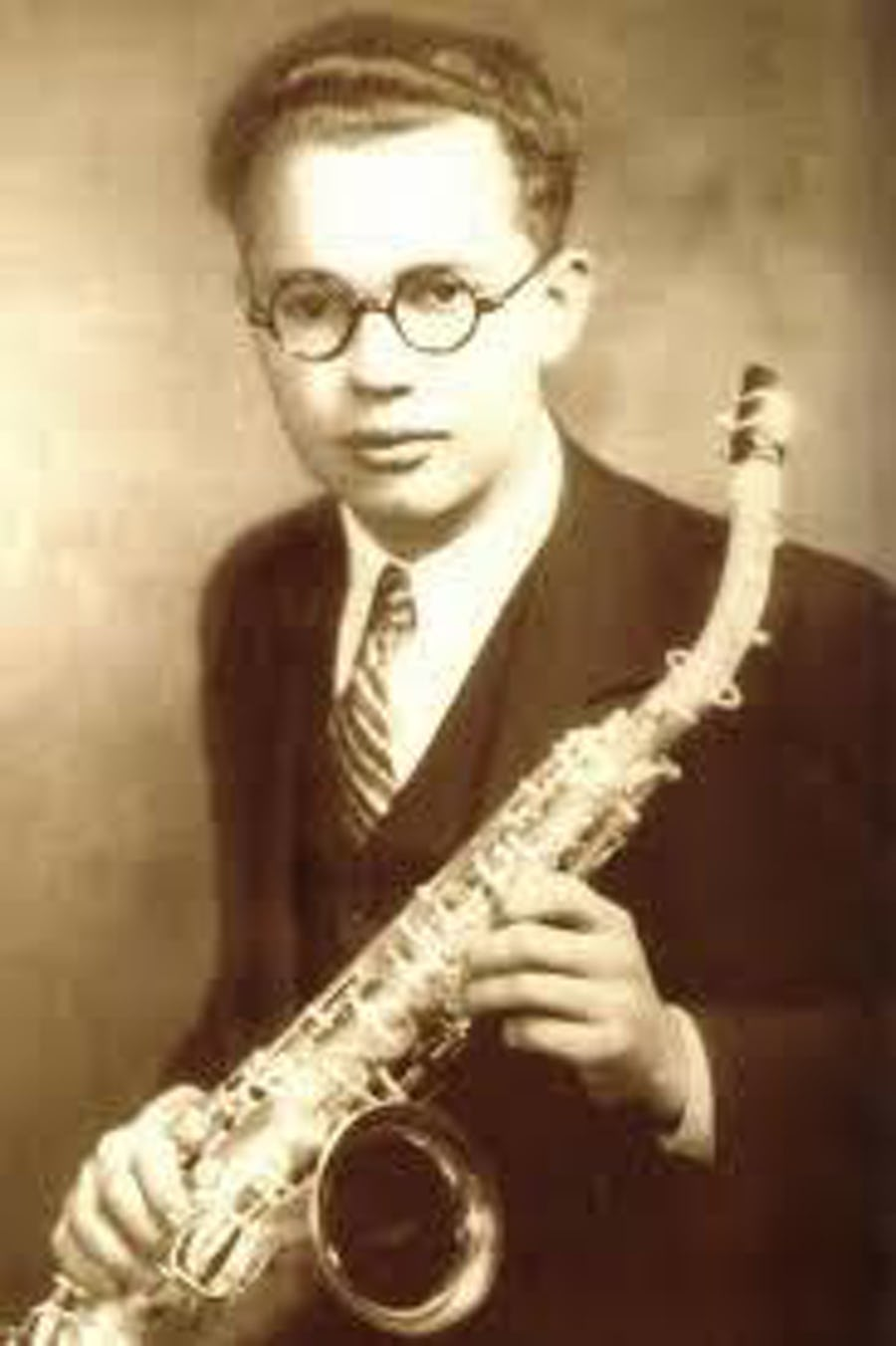 A young Leo Fender